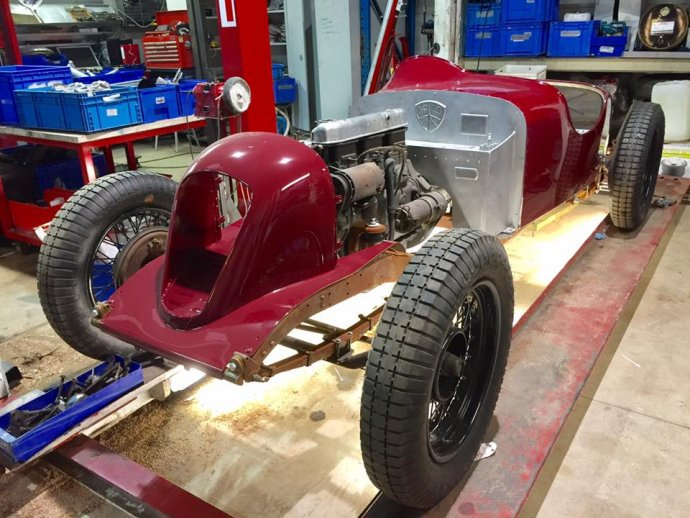 27.12.2016 : body terug op chassis!