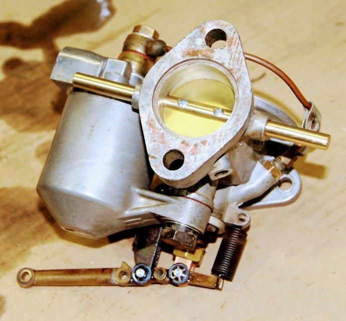 juni 2017 : revisie carburateurs Rover P4 75 Cyclops 1950