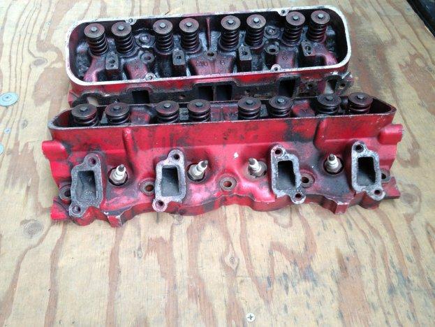 29-05-2014 koppen (300 cubic inch) voor de V8